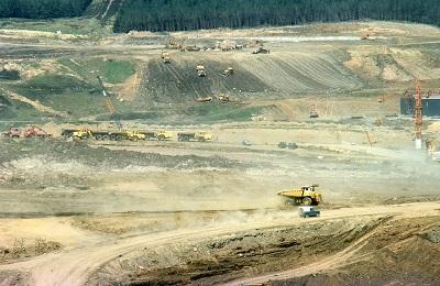 Constructing Kielder dam